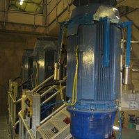 Pump motor dynamic vibration absorber