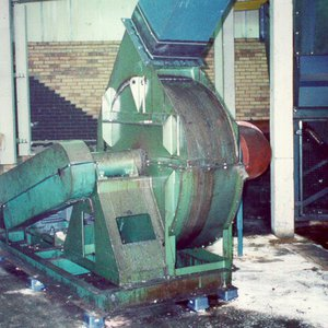 Scrap extract fan noise reduction
