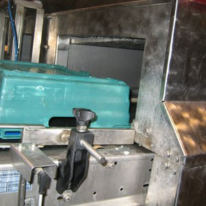 Tray wash noise control